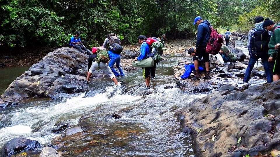 trekking-and-camping-to-dudhsagar