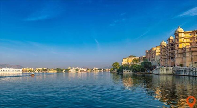 Udaipur-and-Ranakpur-Tour-with-Boat-Ride