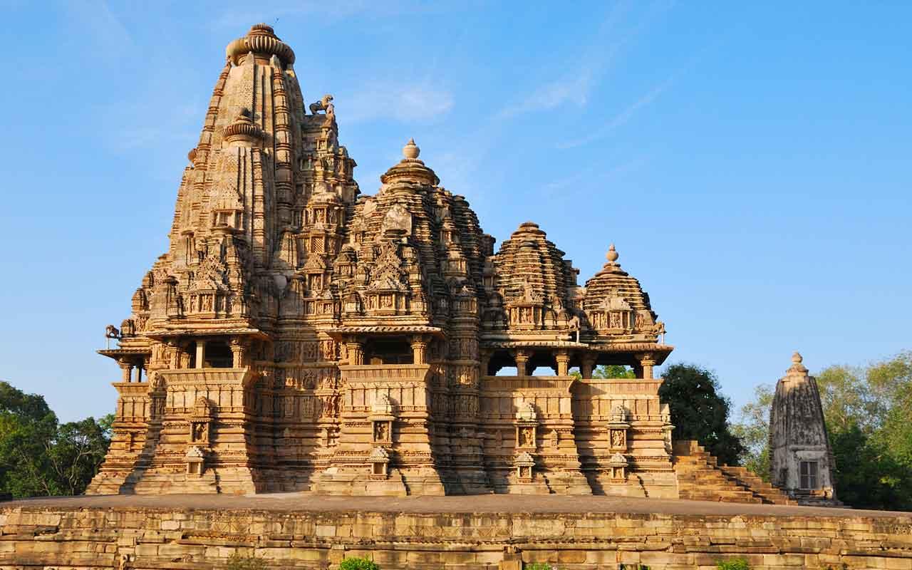 khajuraho tour-temple tour