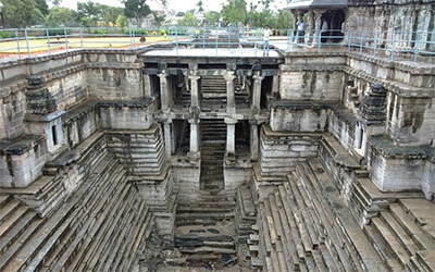 Lakkundi_step_well