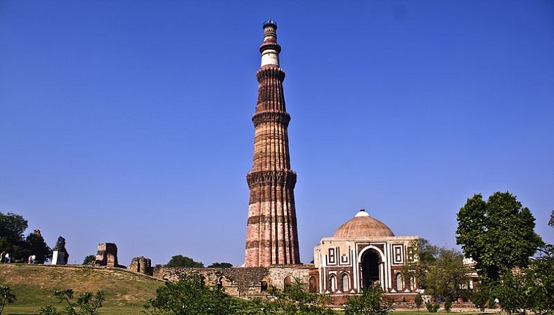 qutub minar, delhi travel gude