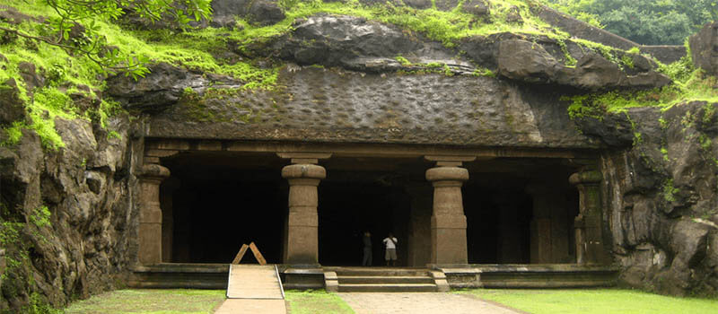 As It Was Summer Time We Didn T Want To Do A Difficult Trek So Settled For Elephanta Caves