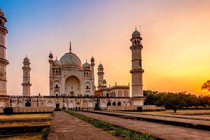 Replicas of Taj Mahal