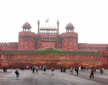 Red Fort Delhi: History, Timings, Entry fee, Tips, Attractions