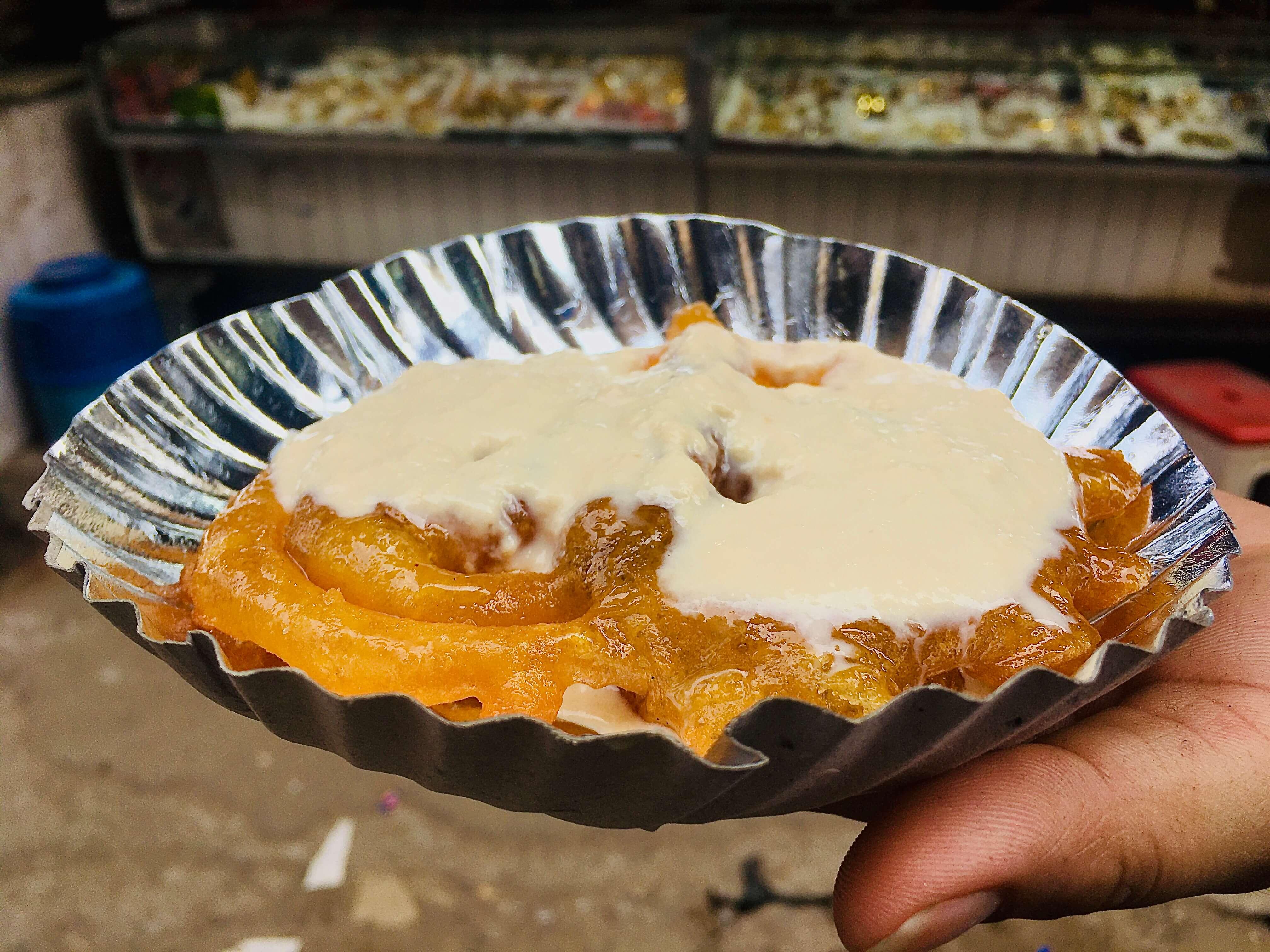 famous Jalebiwala in Delhi